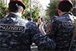 """Несколько сотен демонстрантов, выступающих против назначения экс-президента на пост премьер-министра, начали шествие по улицам Еревана. Шествие возглавляет руководитель оппозиционной парламентской фракции """"Елк"""" Никол Пашинян."""