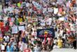 Визит Трампа в Великобританию вызвал массовые акции протеста с участием десятков тысяч человек