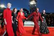 """Актрисы Тильда Суинтон, Джессика Харпер, Миа Гот и режиссер Лука Гуаданьино на премьере фильма """"Суспирия"""""""