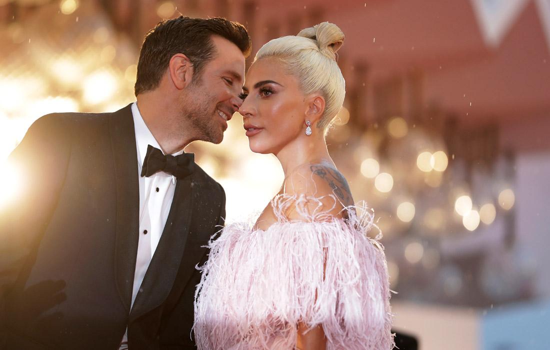 """Актеры Брэдли Купер и Леди Гага перед показом музыкальной драмы """"Звезда родилась"""""""