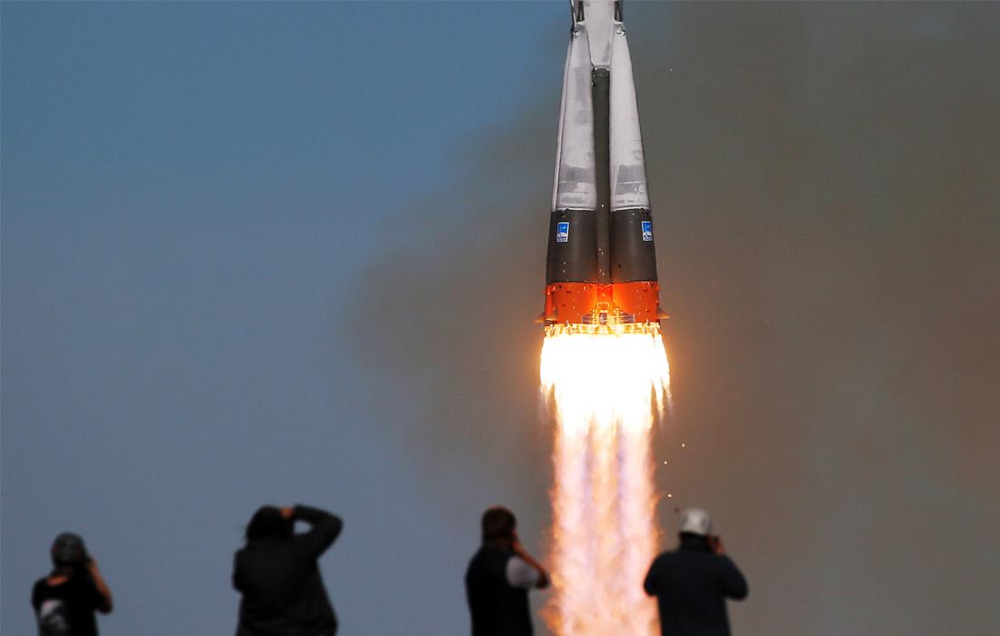 """Во время запуска ракеты с космодрома """"Байконур"""""""