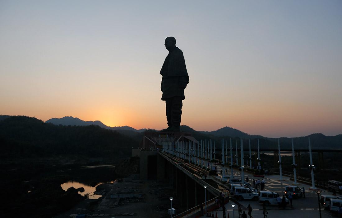 В Индии возвели самую высокую в мире статую