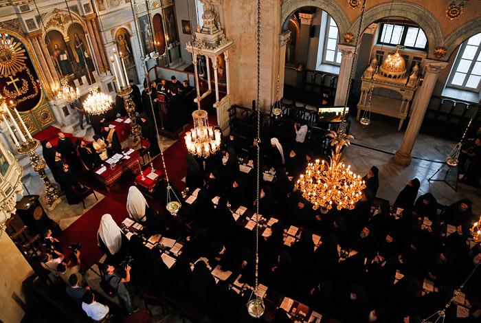 Константинополь пригрозил отозвать автокефалию у РПЦ