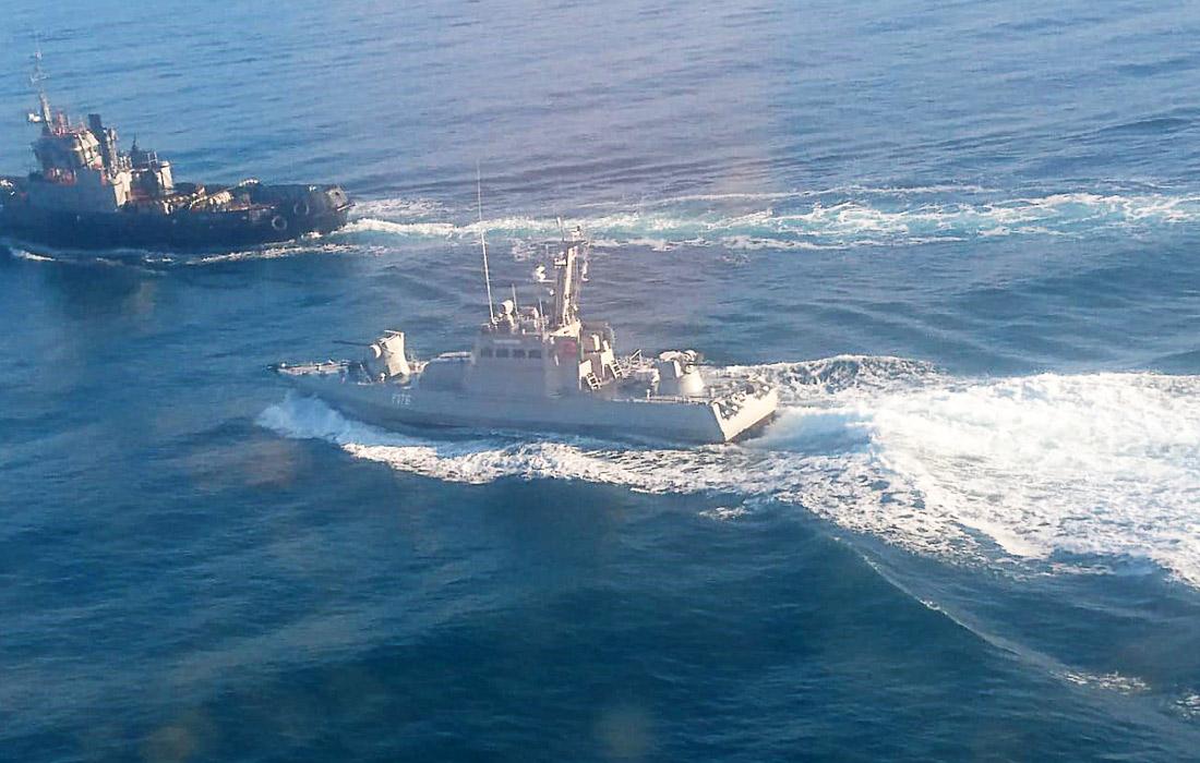 РФ передала Украине корабли, задержанные в Керченском проливе