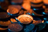 Рубль начал новый торговый месяц с заметного подорожания к доллару и евро