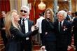Модельер Карл Лагерфельд и дизайнер Ральф Лорен в Елисейском дворце в Париже. 2010 год.
