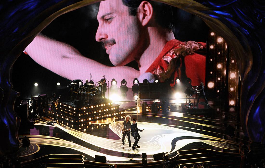 Выступление группы Queen и американского исполнителя Адама Ламберта