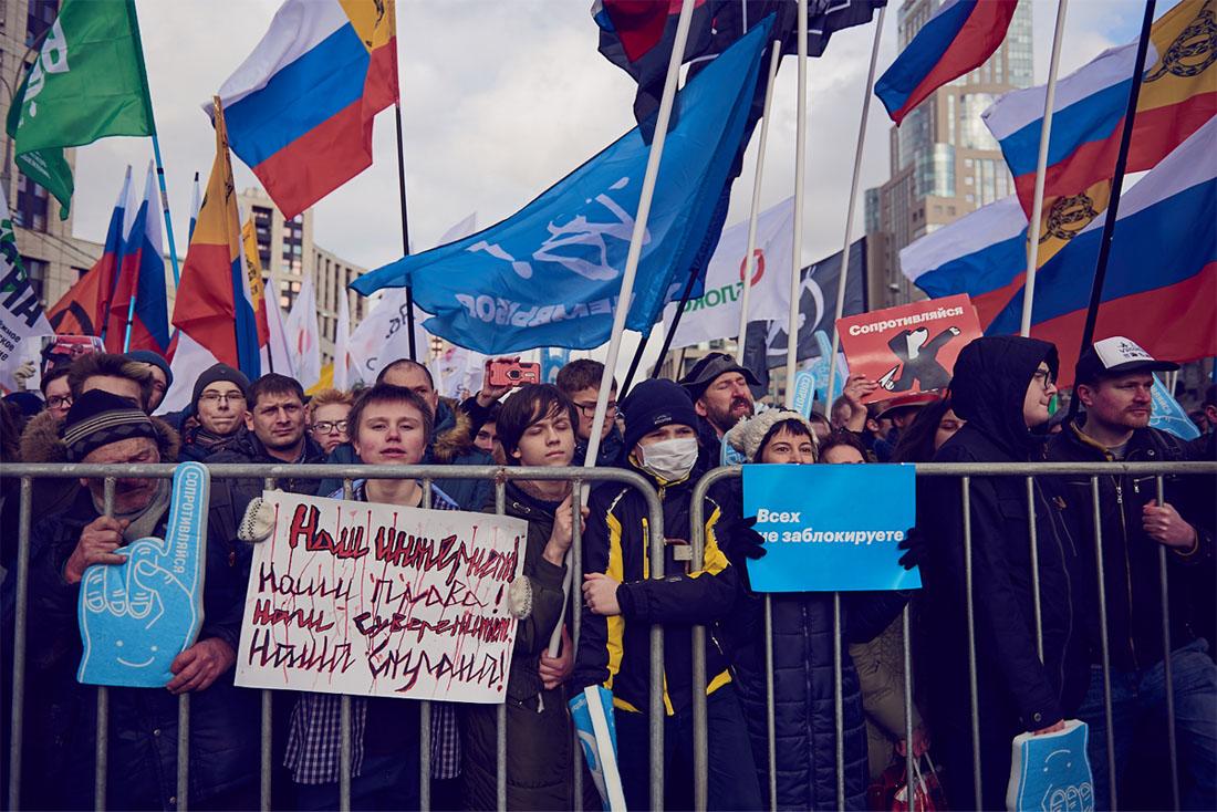 Эти законопроекты были инициированы группой парламентариев, в том числе сенаторами Андреем Клишасом и Людмилой Боковой, а также депутатом Госдумы Дмитрием Вяткиным