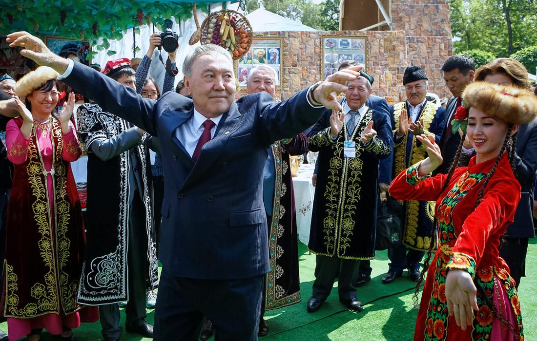 Во время празднования Дня единства народов Казахстана в Алматы. 2016 год.