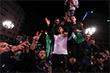 В соответствии с конституцией Алжира теперь сроком на 90 дней исполняющим обязанности президента может быть назначен председатель верхней палаты парламента Абделькадер Бенсалах. Затем в стране должны пройти выборы.