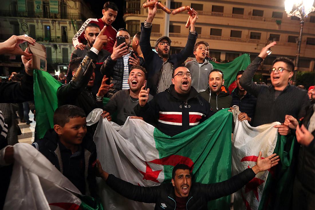 Президент республики Абдель-Азиз Бутефлика официально объявил о решении уйти с поста президента республики