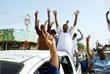 Жители Хартума празднуют отставку президента