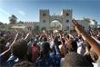 Тысячи демонстрантов, требующих отставки президента, неделю протестовали на столичной площади перед зданием Минобороны