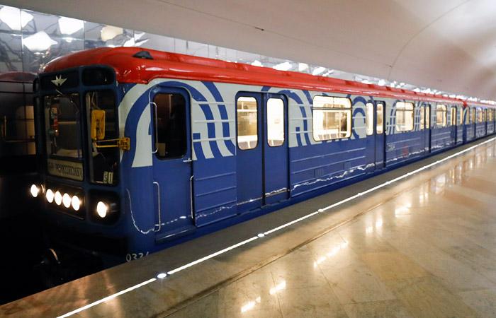 Движение поездов на красной ветке метро Москвы оказалось под угрозой из-за затопления