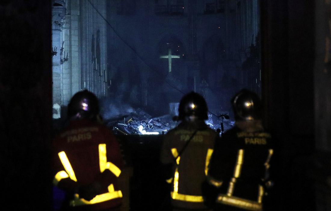 Нотр-Дам после пожара - фото 7 из 7