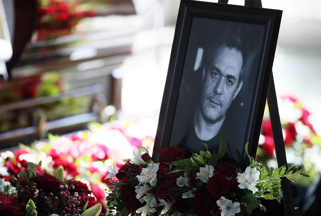 Портрет Сергея Доренко в траурном зале Троекуровского кладбища