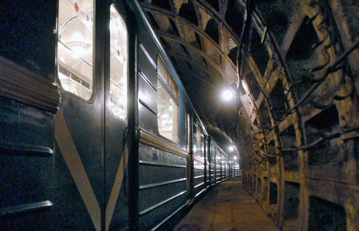 Поезд застрял в тоннеле на Солнцевской линии метро