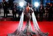 Актриса Хина Хан на красной дорожке Каннского кинофестиваля