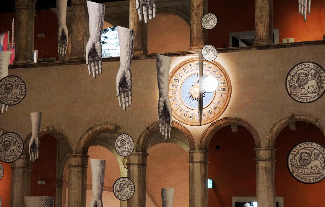 Инсталляция The Rule of Dreams художников из Италии