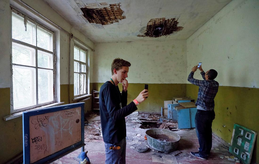 Ассоциация чернобыльских туроператоров совместно с управлением туризма Киевской горгосадминистрации работают над созданием комплексных туров, включающих экскурсию по Киеву, по местам съемок сериала
