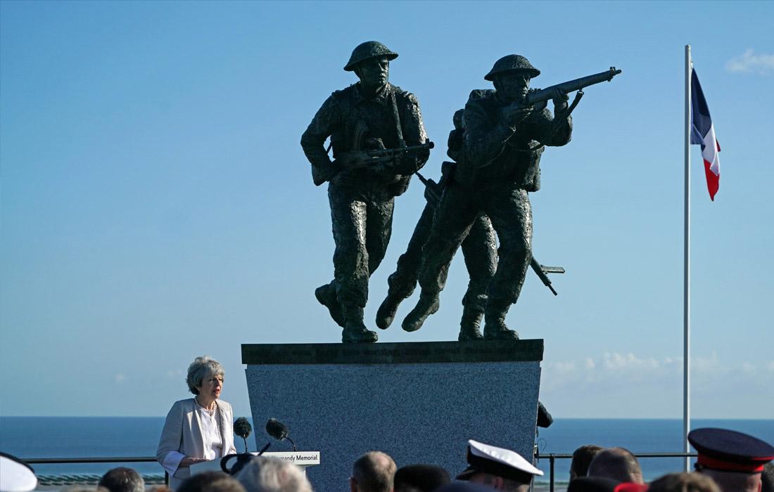 Тереза Мэй на церемонии открытия британского мемориала