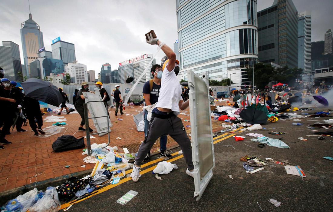 США напрасно дразнят Китай гонконгским бунтом