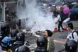 Протестные выступления вылились в беспорядки у здания заксобания и в некоторых других районах города, где демонстранты перекрывали движение транспорта и воздвигали баррикады