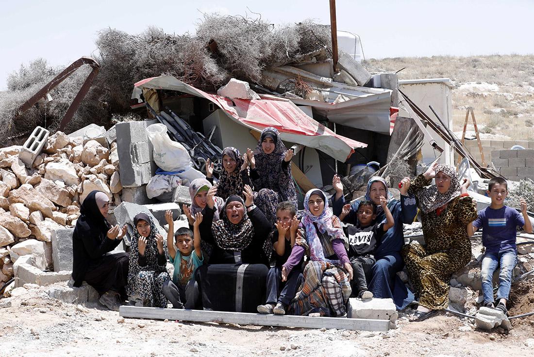 Израильтяне снесли очередной палестинский дом: он был построен без необходимых на то разрешений от израильской стороны.
