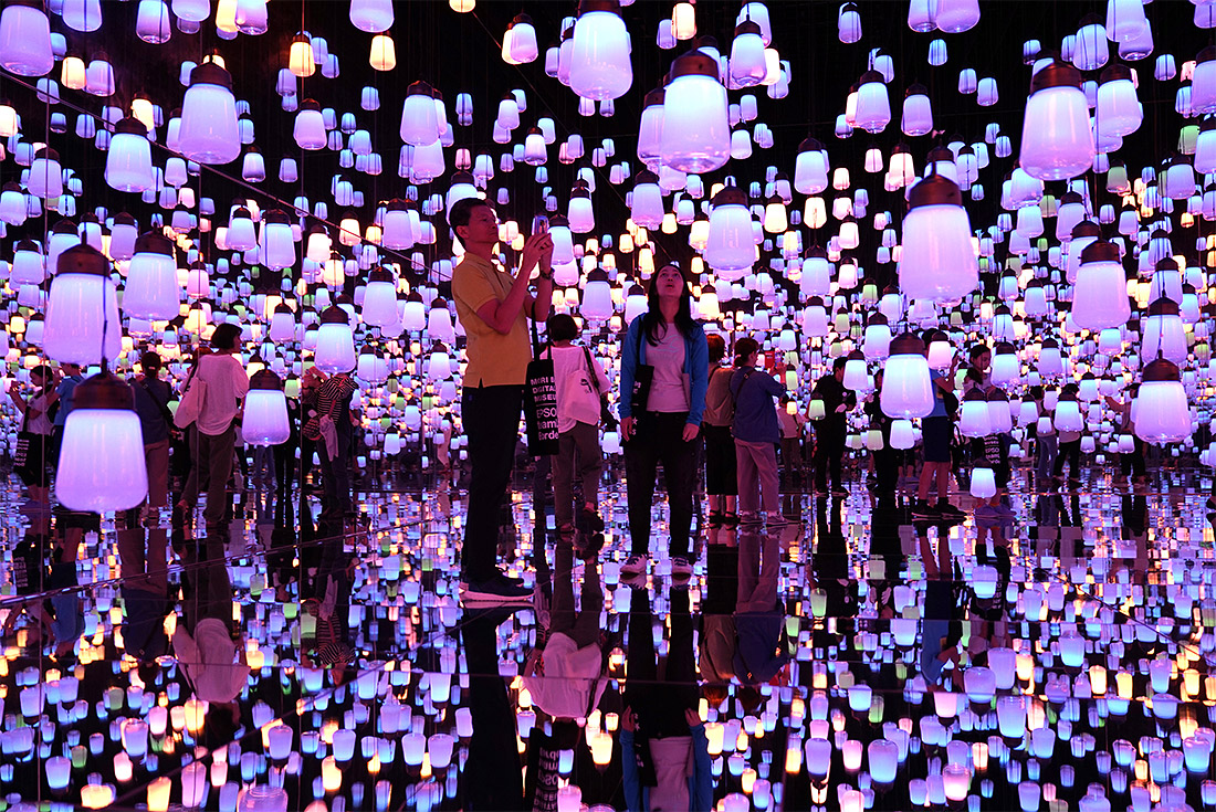 Музей цифрового искусства MORI Building Digital Art Museum: teamLab Borderless в Токио отметил свой первый день рождения