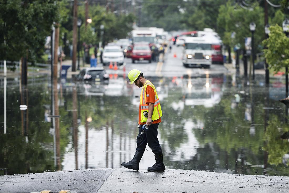 Город Вествилл (США, штат Нью-Джерси) оказался затоплен из-за ливневых дождей
