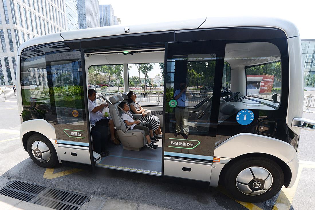 Беспилотные автобусы начали тестировать на улицах китайского города Чжэнчжоу
