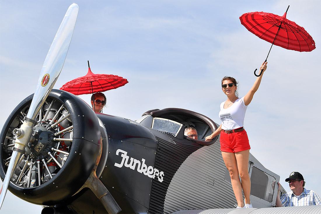 Сто лет со дня первого полета Юнкерс Ф13 (Junkers F 13) отметили в немецком Дессау. Это первый самолет, изначально создававшийся для пассажирских перевозок.