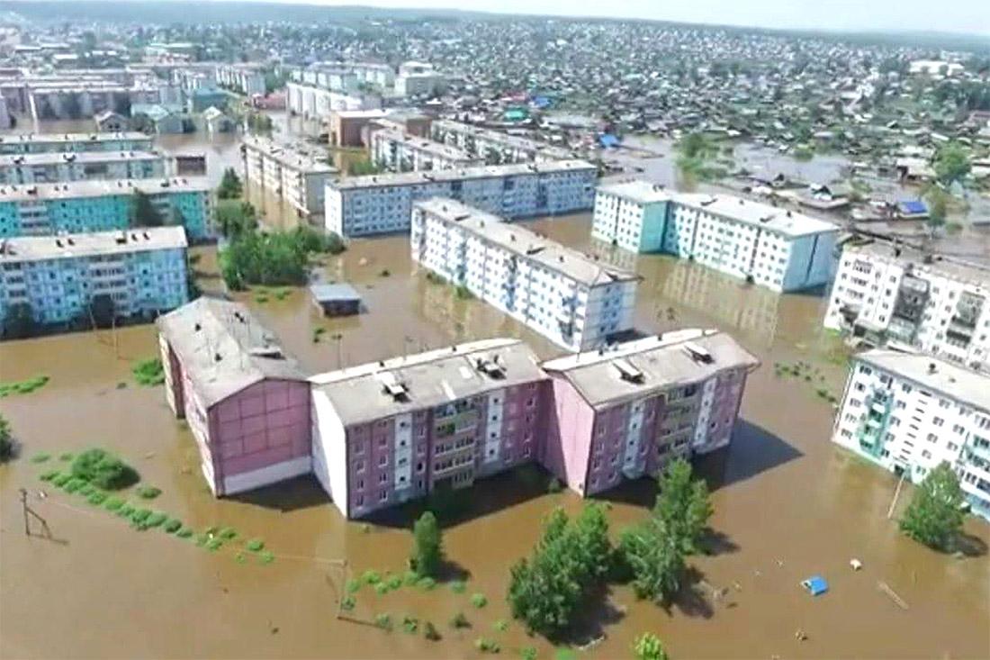 Вид на подтопленные районы города Тулун