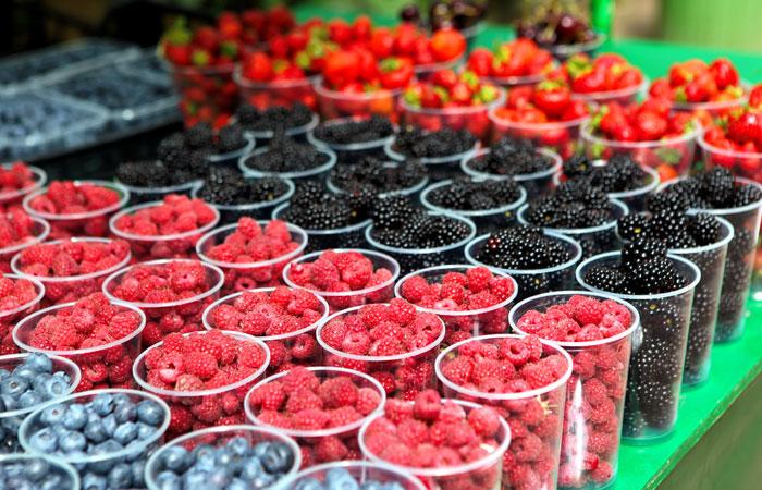 НДС на фрукты и ягоды в РФ решили снизить до 10%