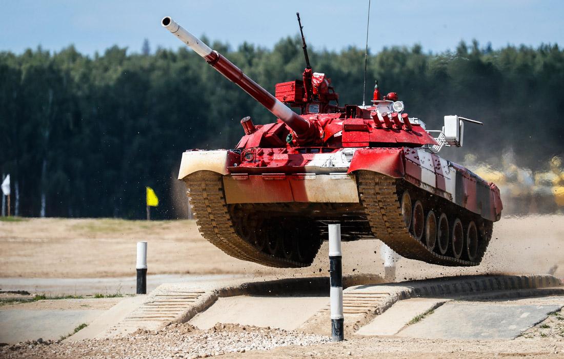 Открытки гиф, танковый биатлон прикольные картинки