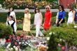 Супруга президента Франции Брижит Макрон приняла жен лидеров стран-участниц G7 во французской деревушке Эспелет