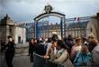 Почтить память экс-главы государства пришли тысячи французов