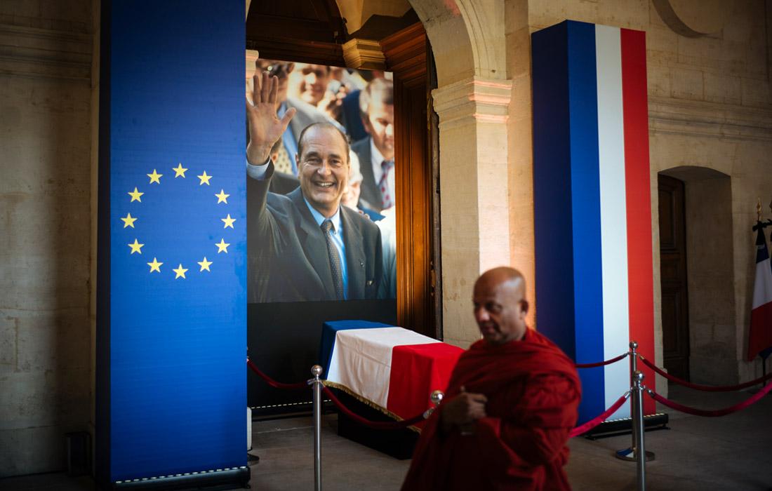 Жак Ширак занимал пост президента Франции с 1995 до 2007 года. Когда срок его полномочий завершился, он отошел от общественной и политической жизни.