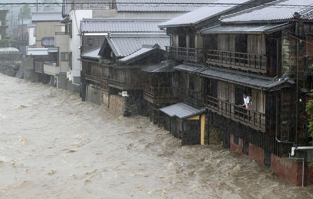 Без света до сих пор остаются около 200 тысяч домов в Токио и в близлежащих префектурах