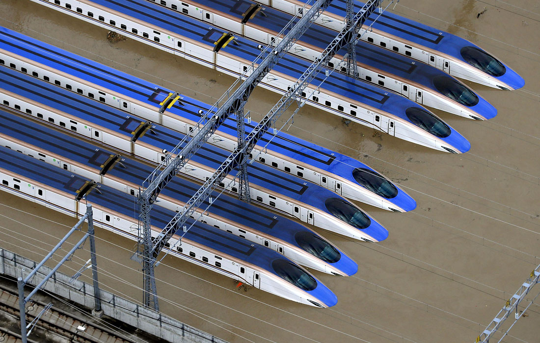Затопленный в префектуре Нагано железнодорожный вокзал