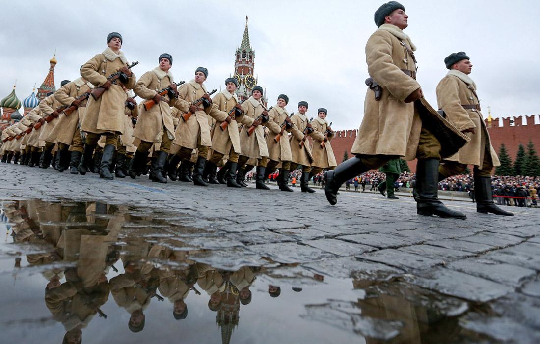 На Красной площади прошел Марш в честь парада 1941 года (фото, видео)
