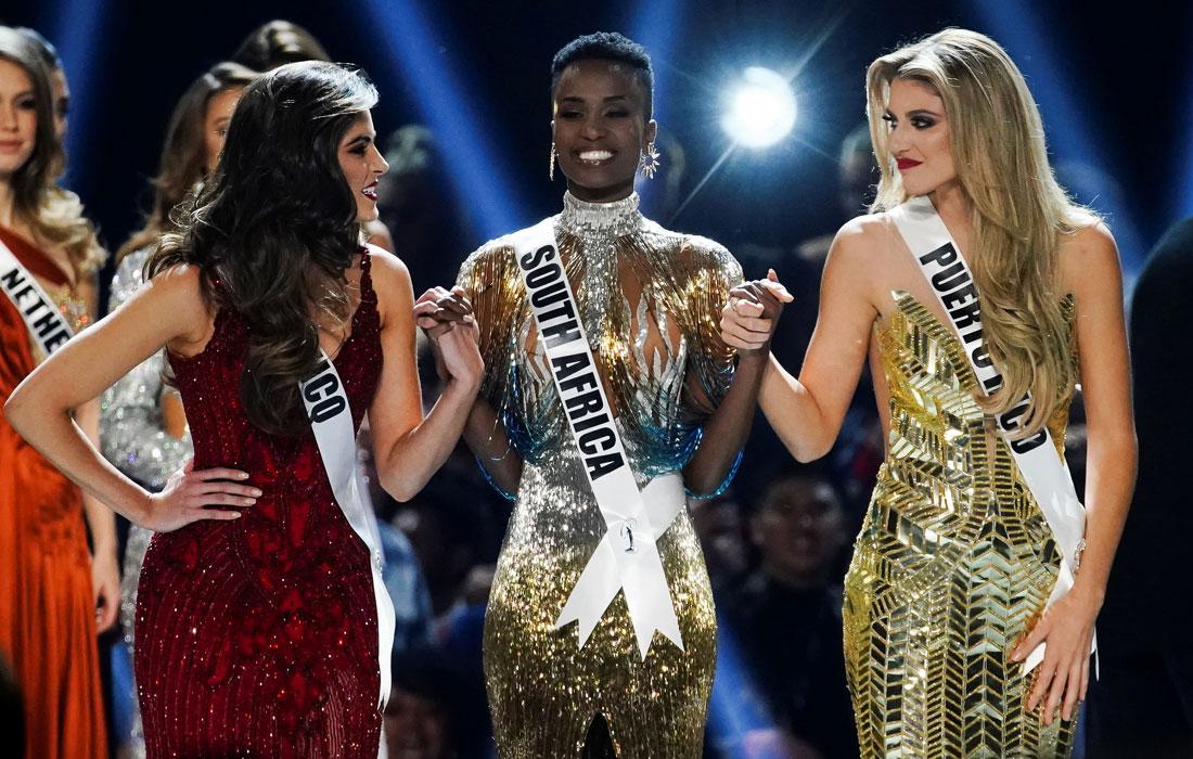 Три финалистки конкурса: София Арагон из Мексики, Зозибини Тунзи из Южной Африки и Мэдисон Андерсон из Пуэрто-Рико (слева направо)