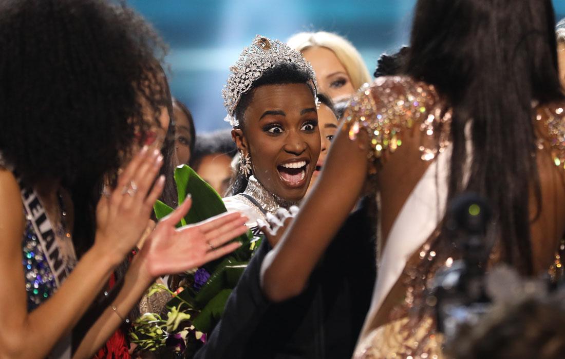 """Реакция 26-летней Зозибини Тунзи на победу в конкурсе """"Мисс Вселенная"""""""