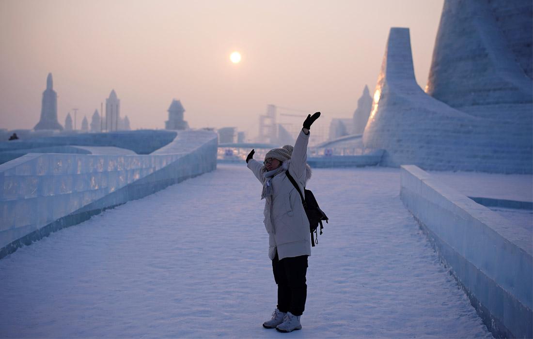 В Харбин стекаются туристы со всего мира, ежегодно его посещает около 10-15 миллионов человек