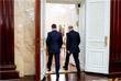 Премьер-министр РФ Дмитрий Медведев и президент России Владимир Путин в Доме правительства РФ