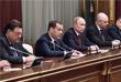 Премьер-министр РФ Дмитрий Медведев заявляет об отставке правительства в действующем составе