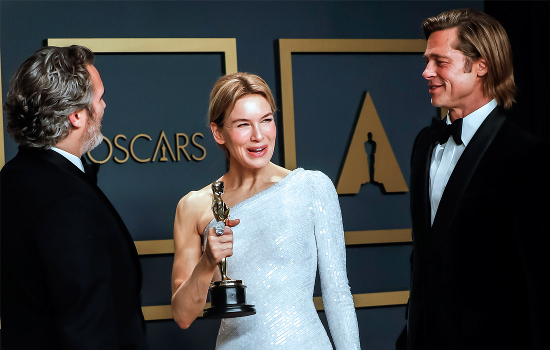 Во время фотосессии победителей 92-й кинопремии