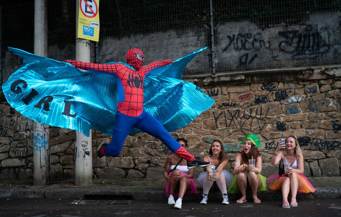 Уличные парады в Рио-де-Жанейро