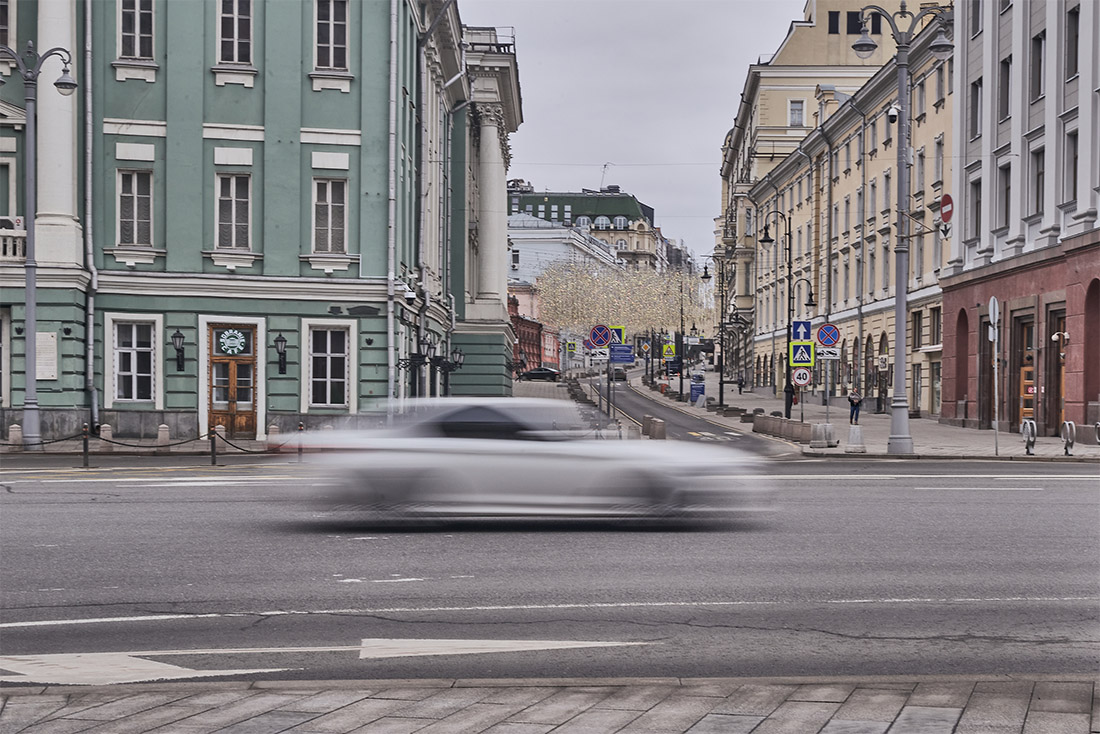 Российские школьники уже ушли на каникулы до 12 апреля, а вузы страны перешли на дистанционное обучение
