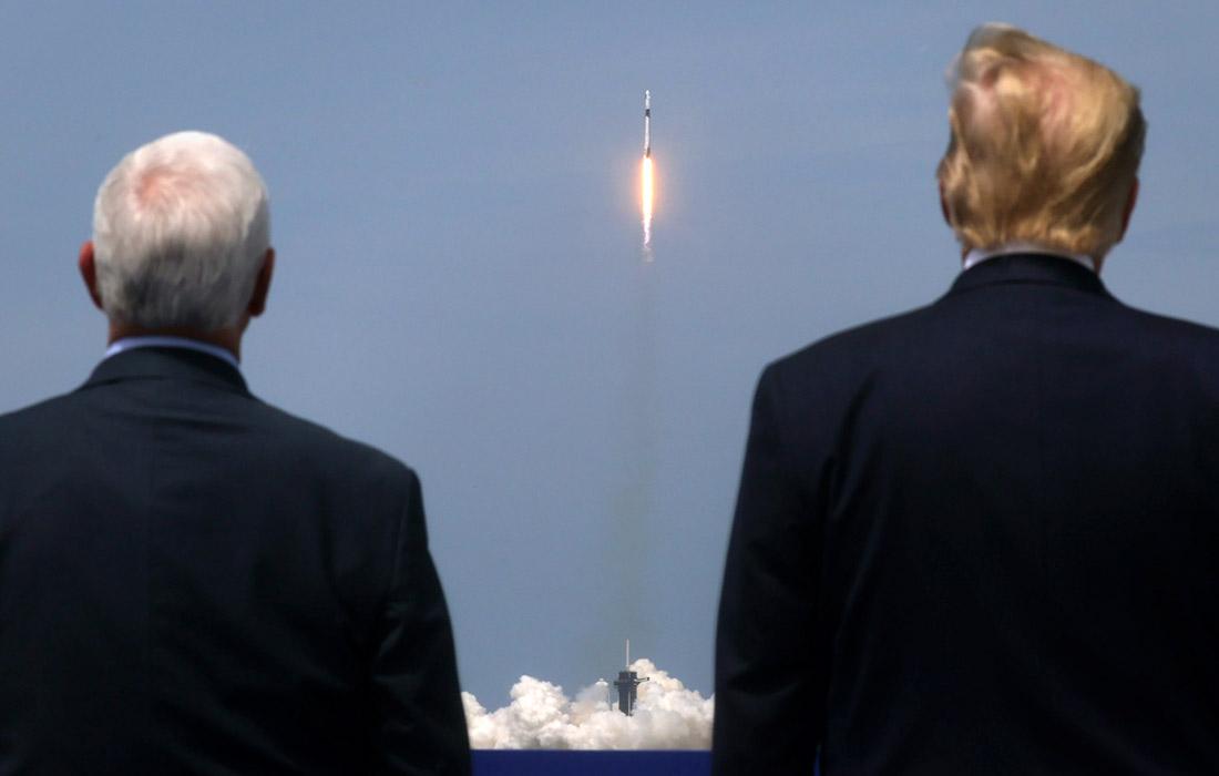 За стартом ракеты Falcon 9 во Флориде наблюдали президент США Дональд Трамп и вице-президент Майк Пенс